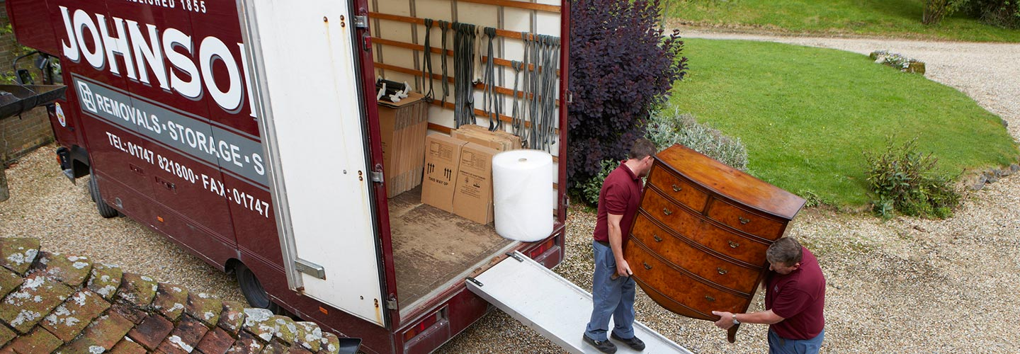 Don't Leave it Late – the Advantages of Booking your Removals Company in Dorset Early.