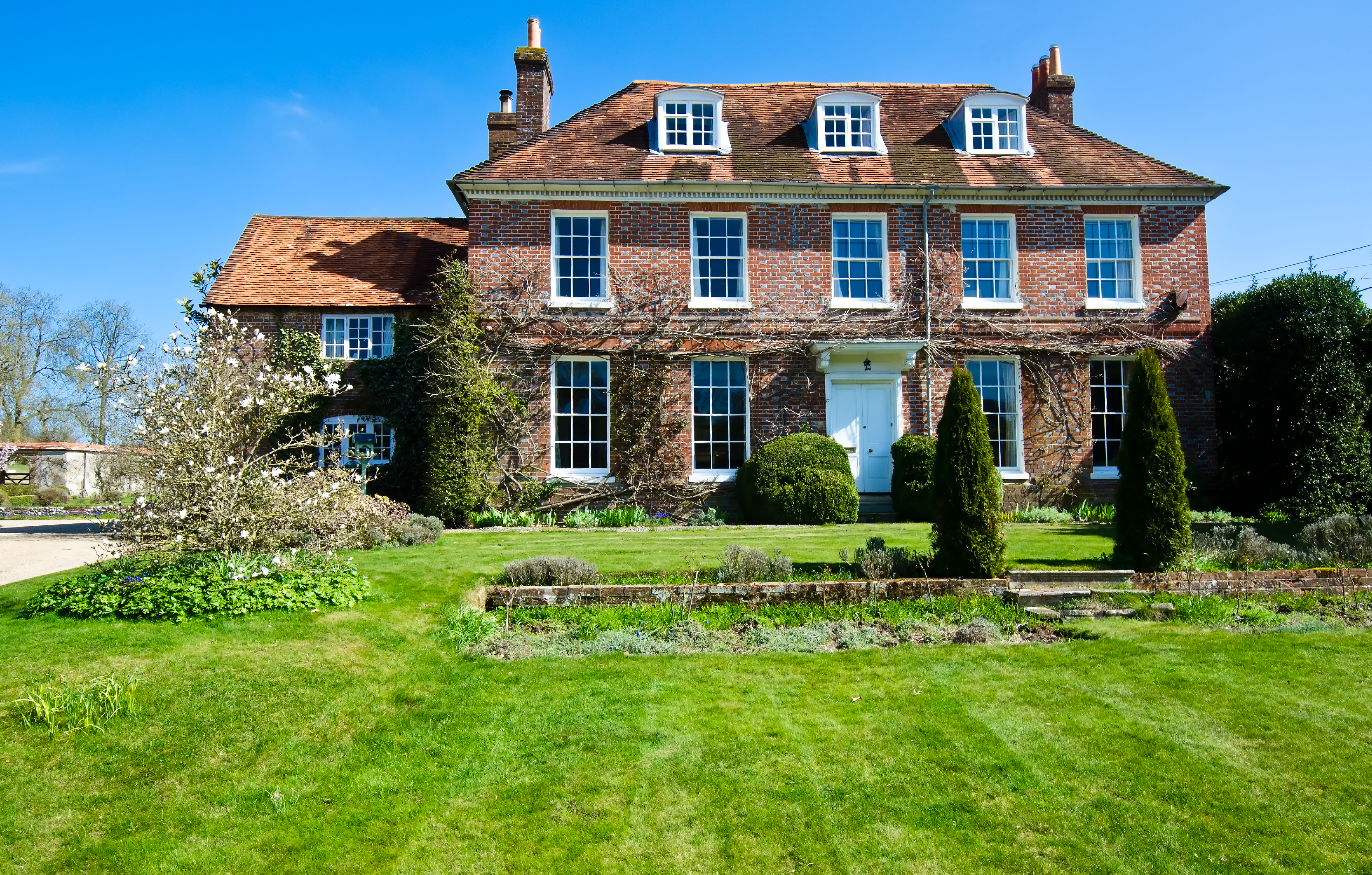 Need More Room? Tips on Upgrading to a Larger Property in Dorset
